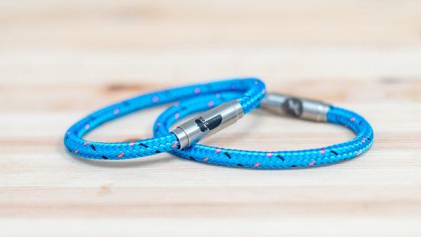 trust boing bracelets single blue