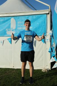 Thumbs up for this Ellen MacArthur Cancer Trust runner at the 2018 Great South Run